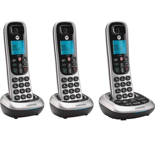 Motorola 1-Line 3-Handset Silver Cordless Phone with Answering System